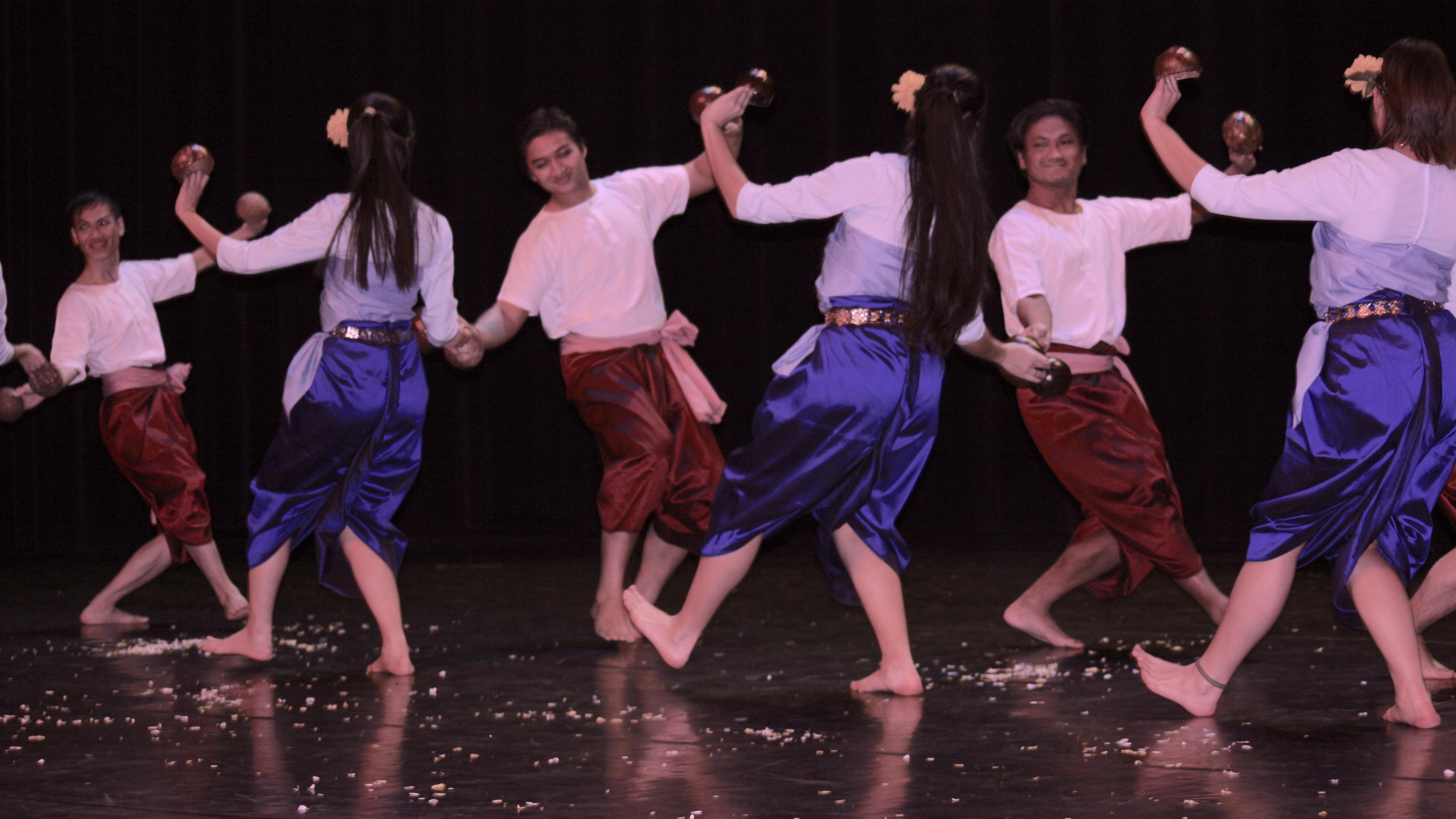 Ballets folkloriques